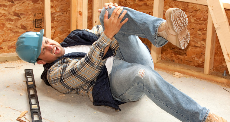 Common Scenarios Necessitate Hiring Worker's Compensation Lawyer